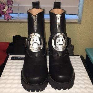 Unif don't worry be happy boots